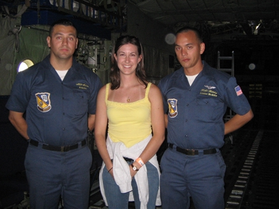 Angelina_with_two_blue_angel_pilots